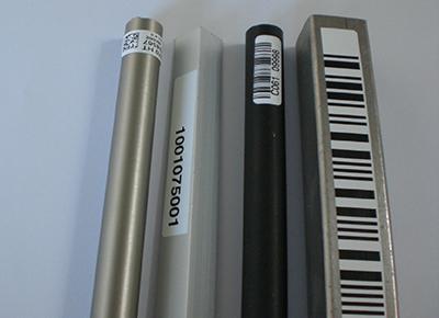 Etiketten für verölte Oberflächen